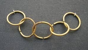 05 gold rings
